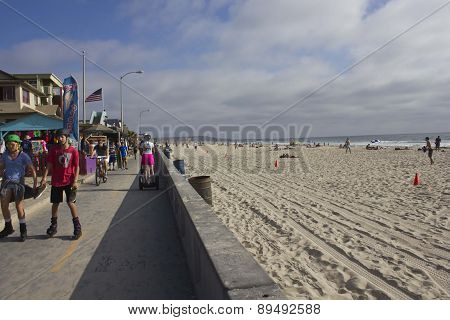 Mission Bay Beach promenade In San Diego