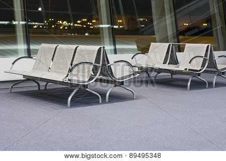 Airport, benches for passengers.