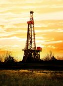 image of rig  - Natural gas production - JPG