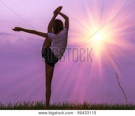 Yogi L Girl In The Rays Of The Rising Sun