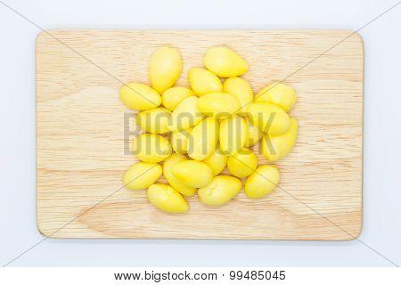 Boiled Ginkgo nun on wooden board