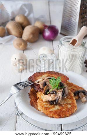 Crunchy Potato Pancakes With Mushrooms