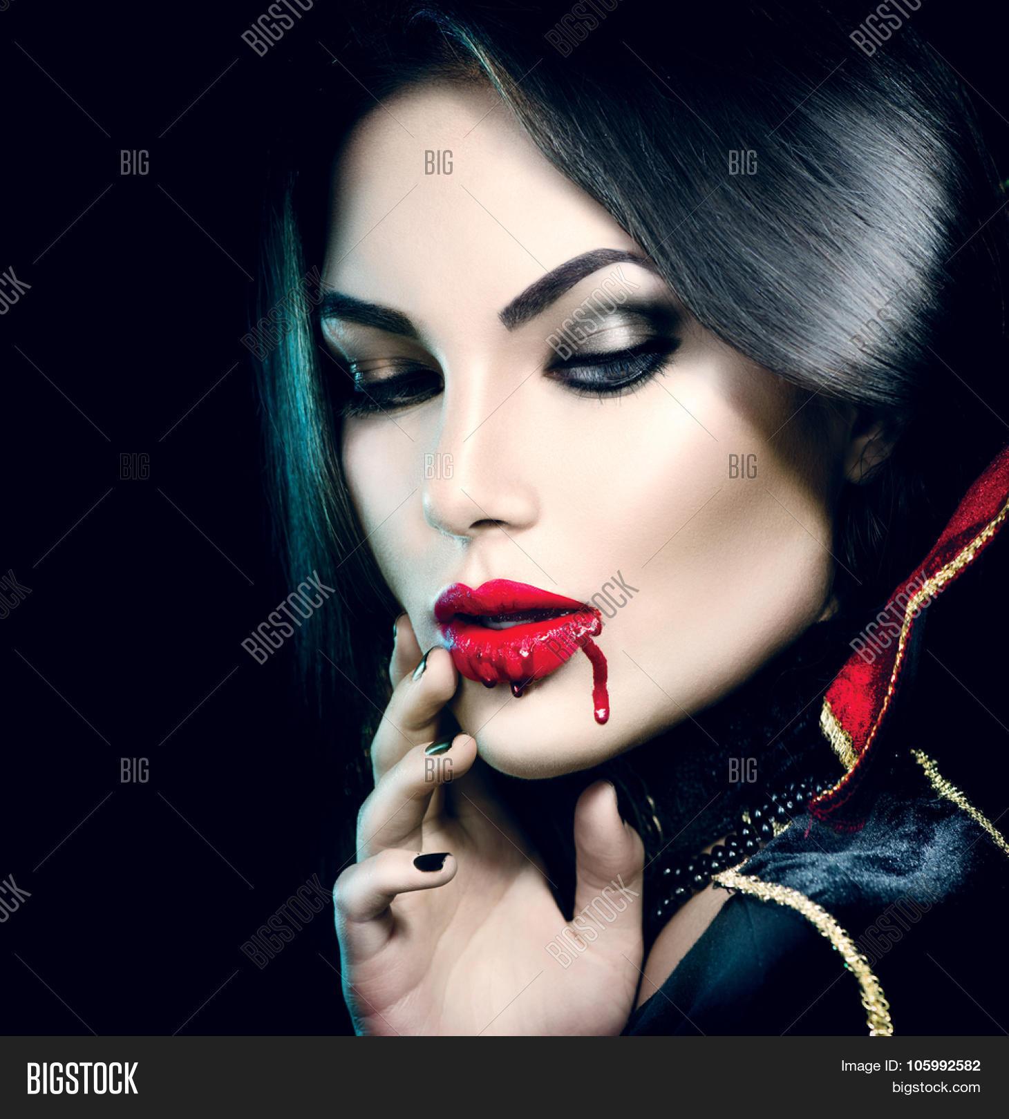 Erotic vampire costume