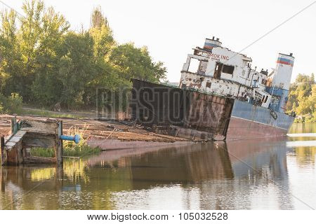 Removing The Transport Ship On The River Bank