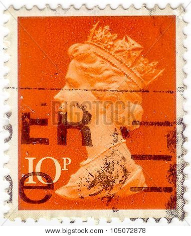 United Kingdom - Circa 1971 To 1996: An English Used Postage Stamp Showing Portrait Of Queen Elizabe