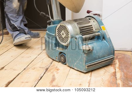 Restore The Old Plank Floor With Grinding Machine
