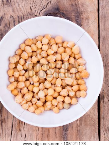 Plate with cooked chick-pea
