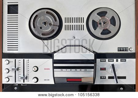 Old Reel To Reel Tape Recorder And Player