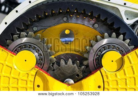 Bulldozer drive gear mechanism