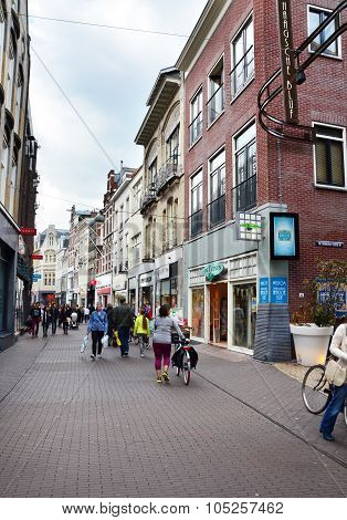 The Hague, Netherlands - May 8, 2015: People Shopping On Venestraat Shopping Street In The Hague