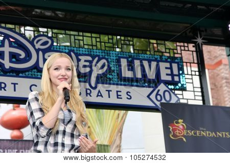 LOS ANGELES - OCT 17:  Dove Cameron at the Stars of