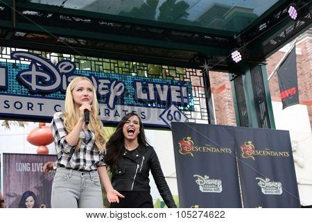 LOS ANGELES - OCT 17:  Dove Cameron, Sofia Carson at the Stars of