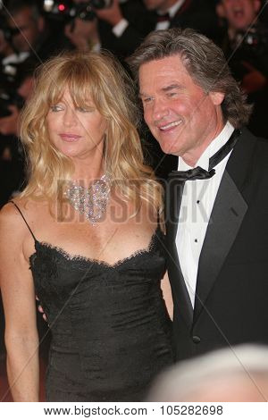 CANNES, FRANCE - MAY 22:Goldie Hawn and Kurt Russell attend the premiere of 'Death Proof' at the Palais des Festivals during the 60th  Cannes Film Festival on May 22, 2007 in Cannes, France