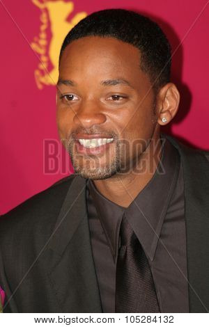 BERLIN - FEBRUARY 18: Actor Will Smith poses at the 'Hitch' Photocall during the 55th annual Berlinale International Film Festival on February 18, 2005 in Berlin, Germany