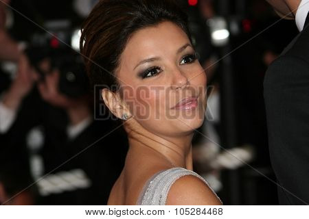 CANNES, FRANCE - MAY 15: Actress Eva Longoria Parker attends the 'Bright Star' Premiere at the Grand Theatre Lumiere during the 62nd Annual Cannes Film Festival on May 15, 2009 in Cannes, France