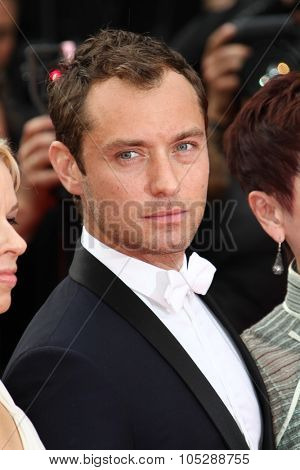 CANNES, FRANCE - MAY 14:   Jude Law attends the 'Pirates of the Caribbean: On Stranger Tides' premiere during the 64th Cannes Film Festival at Palais des Festivals on May 14, 2011 in Cannes, France