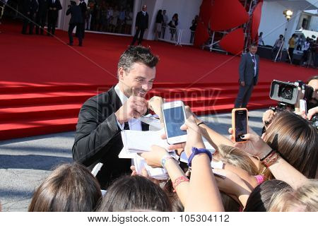 VENICE, ITALY - SEPTEMBER 01: Actor Tom Welling attends the 'Parkland' Premiere during the 70th Venice International Film Festival at the Palazzo Del Cinema on September 1, 2013 in Venice, Italy.