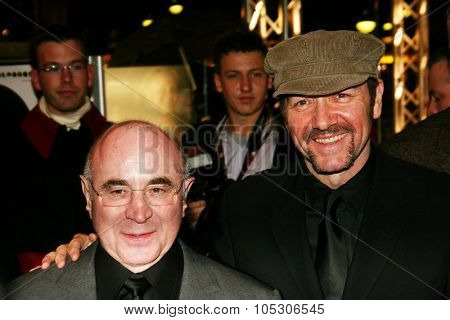 BERLIN - FEBRUARY 13: Actor Bob Hoskins arrives at the 'Beyond The Sea' Premiere at the Zoo Palast during the 55th annual Berlinale International Film Festival on February 13, 2005 in Berlin, Germany