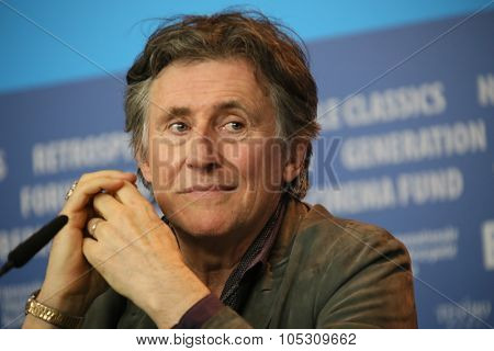 BERLIN, GERMANY - FEBRUARY 5: Gabriel Byrne poses during the  press conference for the 'Nadie quiere la noche'  presented at the 65th Film Festival in Berlin, on February 5, 2015.
