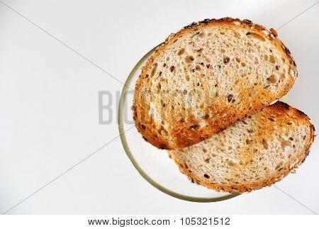 Fresh crispy multigrain toasts