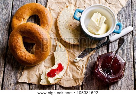 Bagel With Butter And Jam