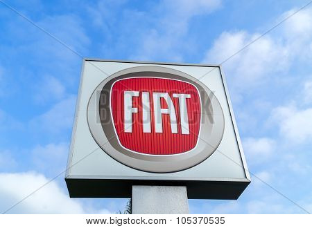Fiat Dealership Sign