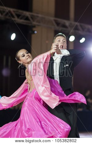 Minsk, Belarus-september 26, 2015: Rozemborskiy Dmitry And Vakulskaya Anna Perform Youth-2 Standard