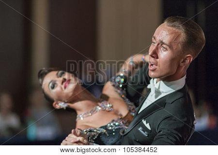 Minsk, Belarus-september 26, 2015: Kaliuzhnyy Vitaly And Kaletnik Vladyslava Perform Youth Standard