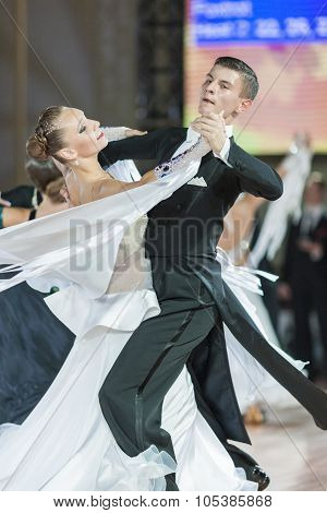 Minsk, Belarus-september 26, 2015: Karatkevich Vladimir And Kravchenko Nataliya Perform Juniors-2 St