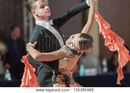 Minsk, Belarus-september 26, 2015: Ermolovich Konstantin And Snegir Anna Perform Juniors-2 Standard