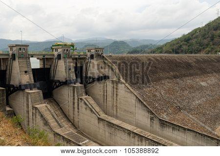 Randeligala Dam