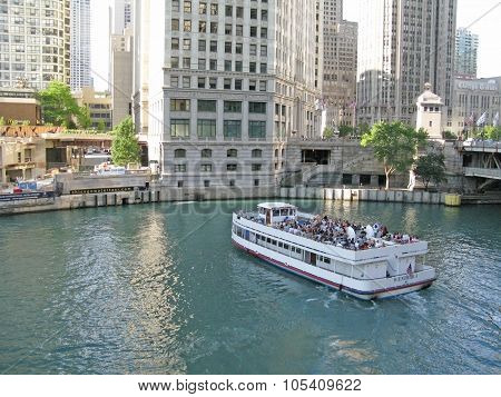 Chicago river and ferry