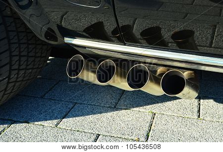 Quad exhaust