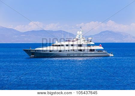 Yacht Cruise Vacation