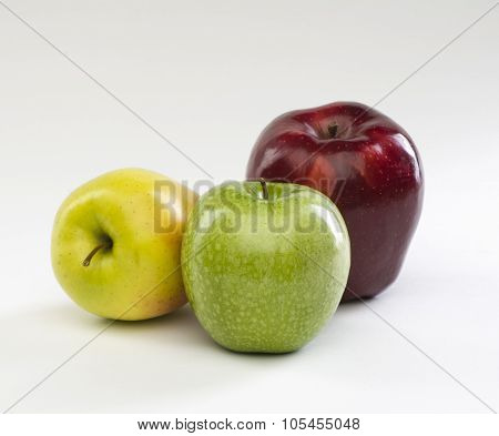 apples red green yellow