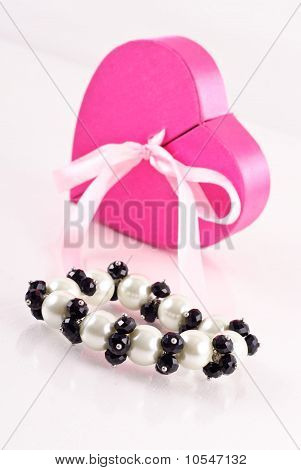 Black Onyx And Pearl Bracelet Gift