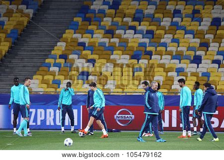 Fc Chelsea Training Session At Nsc Olimpiyskyi Stadium
