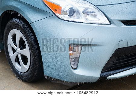 Pearland, Tx/usa - 01 24 2014: Ice On Car Wheels During Rare Ice Storm In Houston, Tx  Area