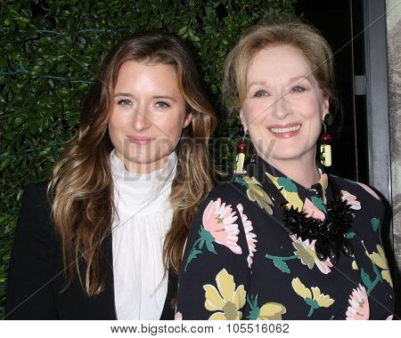 LOS ANGELES - OCT 20:  Grace Gummer, Meryl Streep at the