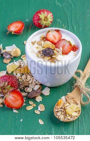 Yogurt with Cereals Muesli