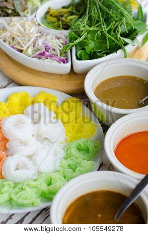 Fermented Rice Flour Noodles /kanom Jeen