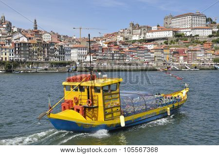A Cruise By The Douro