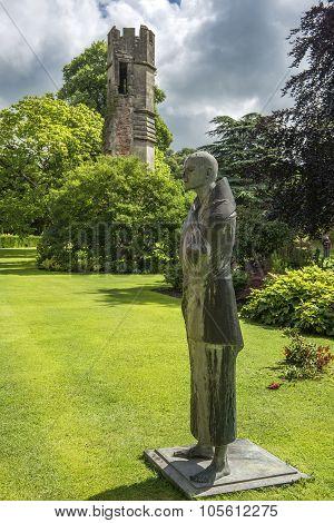Pilgrim Statue, Bishops Palace Wells, City Somerset, England
