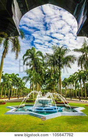 Jame Asr Hassanil Bolkiah Mosque Park-brunei,asia