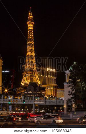 Streetview of Las Vegas Strip at night