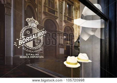 fashion shopping in Milan