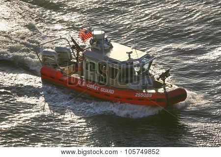 Us Coast Guard Powerboat Sailing