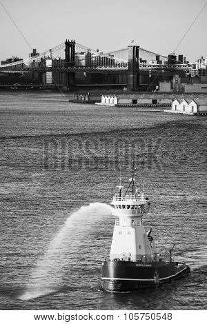 Tugboat In East River Bw