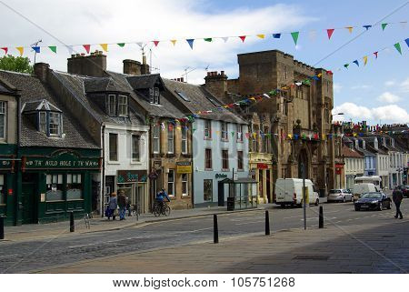 Linlithgow , Scotland - June, 2013:  Old Street In The Town Of Linlithgow