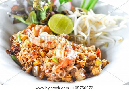 Fried Noodle Thai Style With Prawns, Pad Thai,fried Noodle,thai Stir-fried Noodles, Stir-fried Noodl